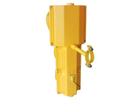 clear cover & yellow housing traffic signal light