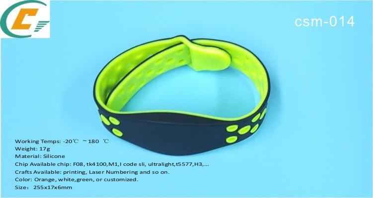 bracelet en silicone réglable