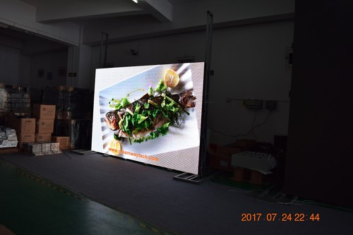 LED Screen Indoor of 2.5mm Pixel Pitch Video Wall with Power Box