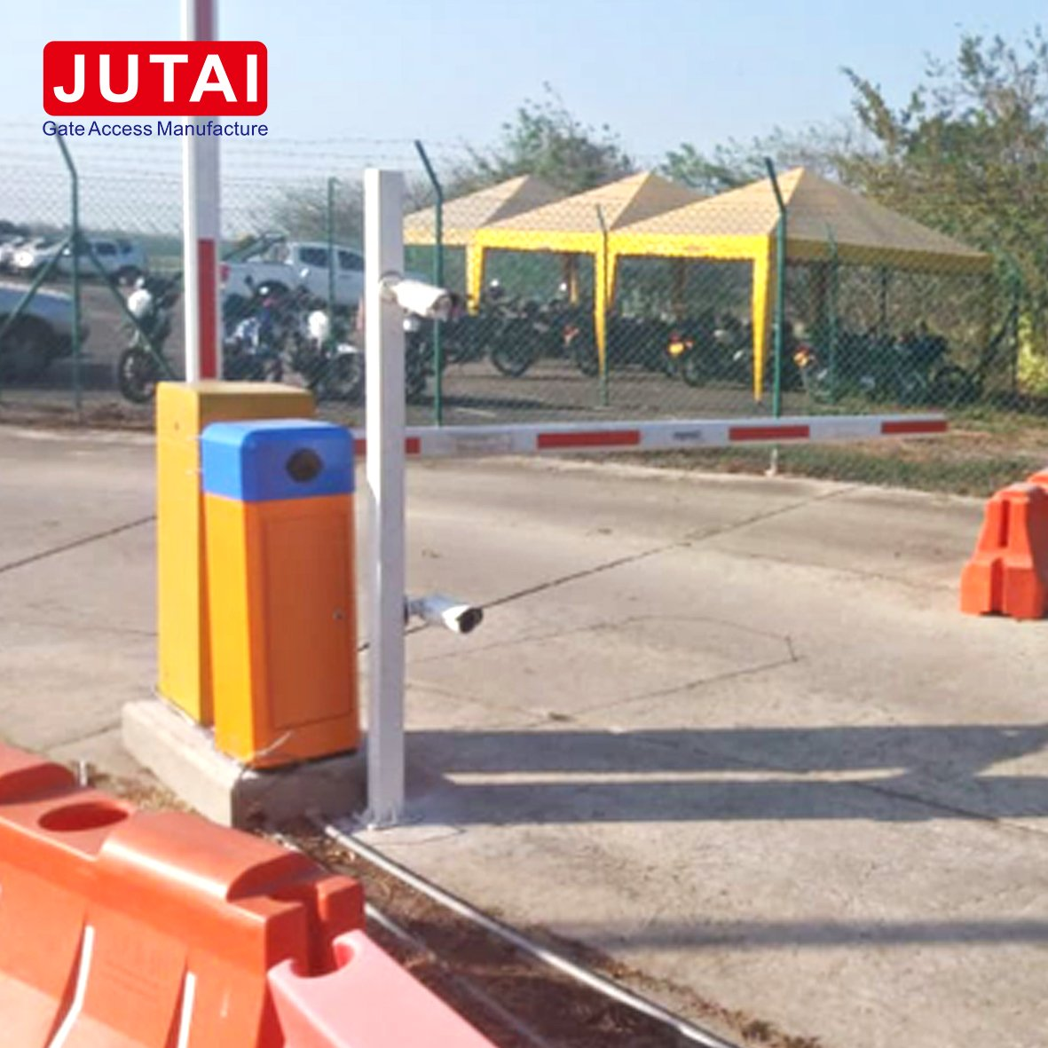 Parking Barrier Gate Operator with 6s 4.5m Arm working For Parking System