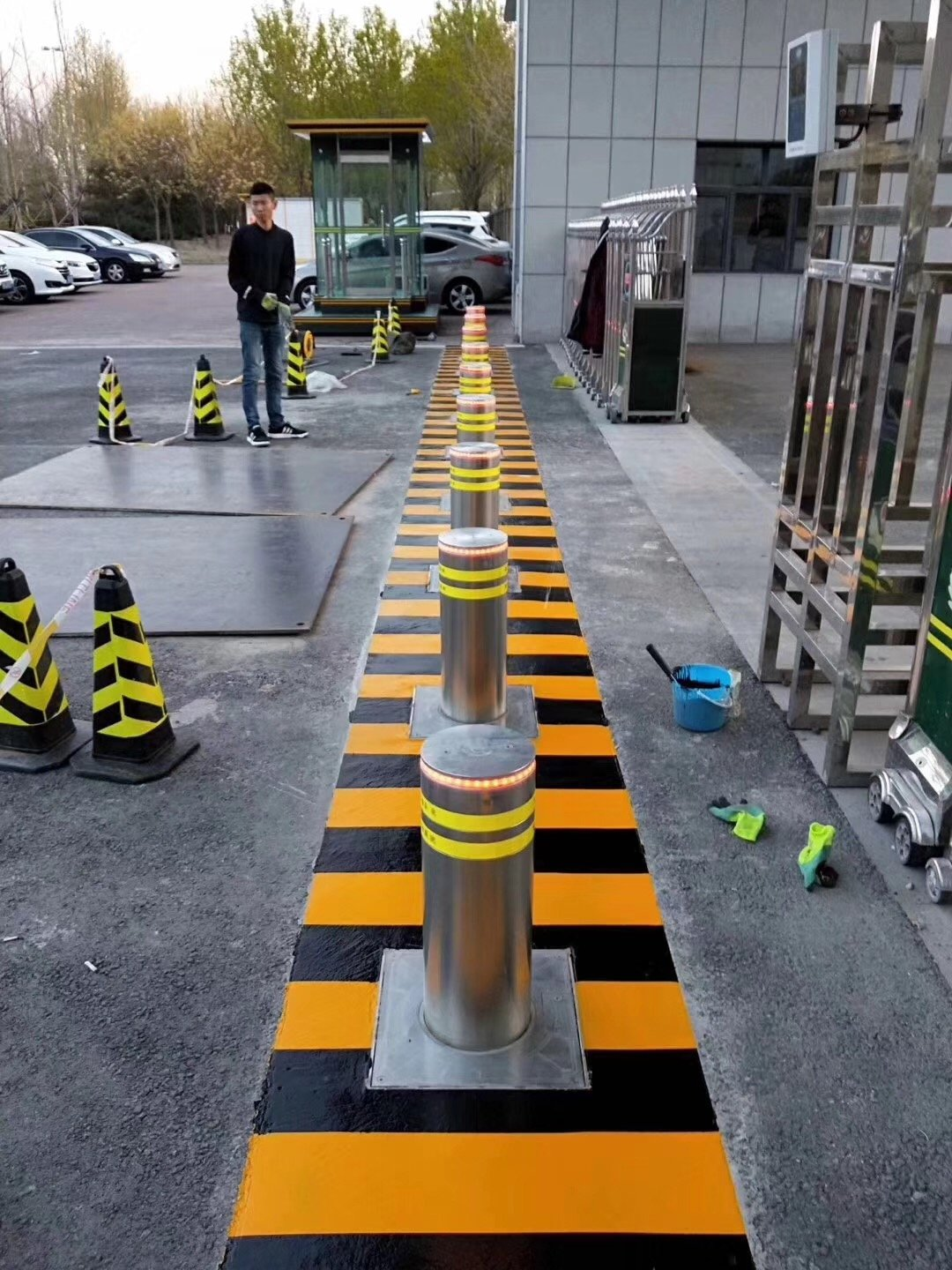 Retractable  bollards project