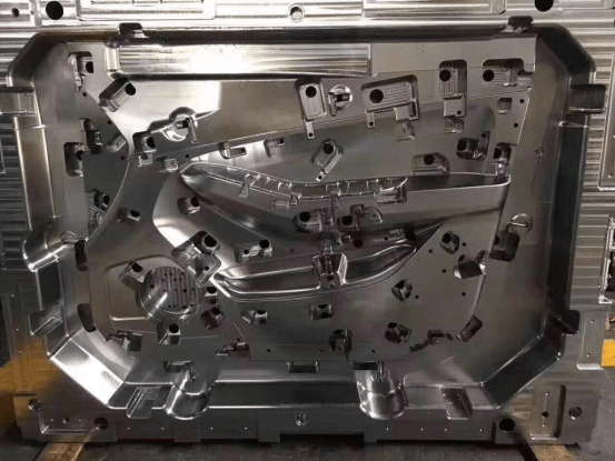 Precision of plastic mold-IMG