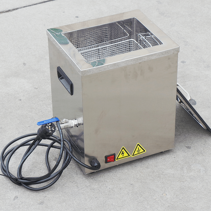 Ultrasonic Cleaner with Small Capacity